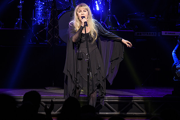 Grammy Award-Winner Stevie Nicks Performs with the Kid Band at School of Rock - The Musical on Broadway