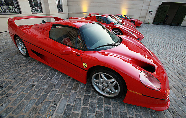 Ferrari Auctions Off The 1st Ferrari 458 Italia In North America - Arrivals